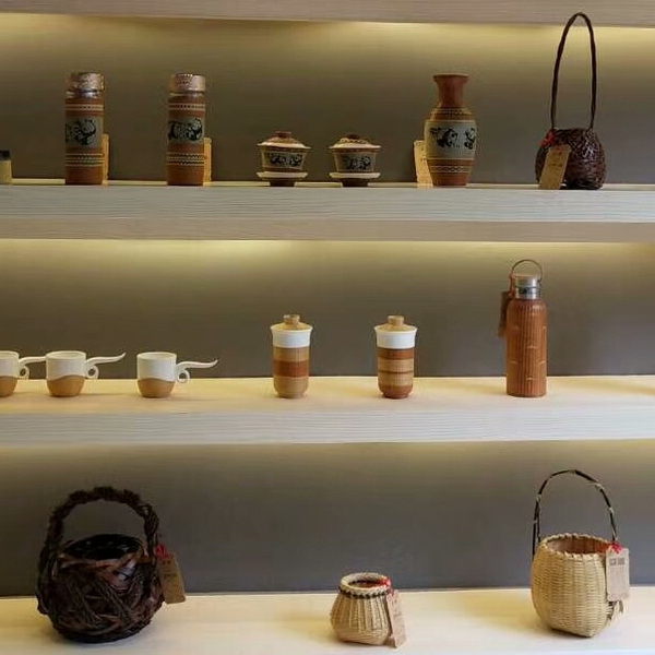 传承非遗文化,品味瓷胎竹编手工艺术品